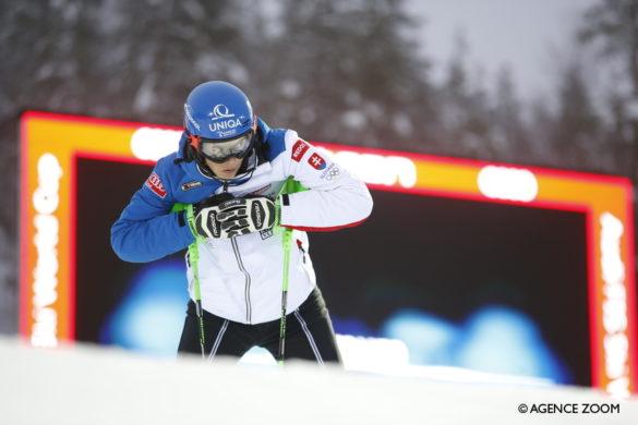 Skieur visualisant sa descente